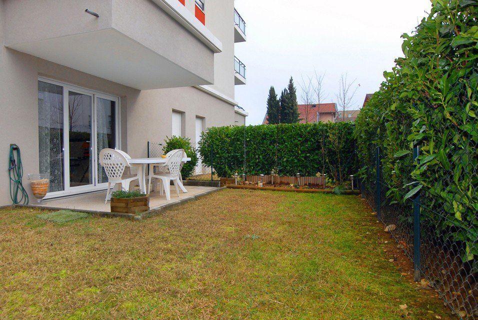 Location Appartement avec 1 chambre, jardin et garage - Location ...