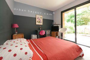 ecully-location-la-grande-villa-en-bois-chambre-2-a