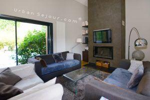 ecully-location-la-grande-villa-en-bois-sejour-a