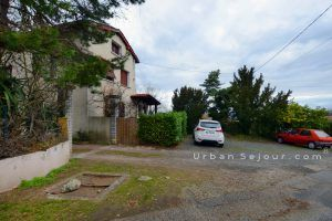lentilly-location-le-duplex-parking