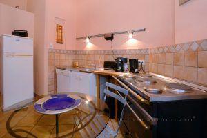lyon-2-location-bellecour-childebert-cuisine-b