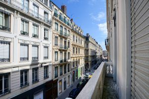 lyon-2-location-bellecour-jacobins-balcon-c
