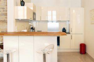 lyon-2-location-carnot-auguste-comte-cuisine-a