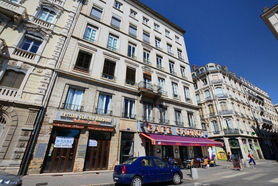 Lyon 2 d lice carnot urban s jour for Location meuble lyon 2