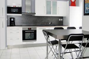 lyon-3-location-bellecombe-plaza-cuisine-1d