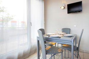 lyon-3-location-la-terrasse-de-montchat-cuisine-b