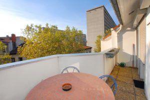 lyon-3-location-les-halles-de-lyon-moncey-terrasse-cote-sejour
