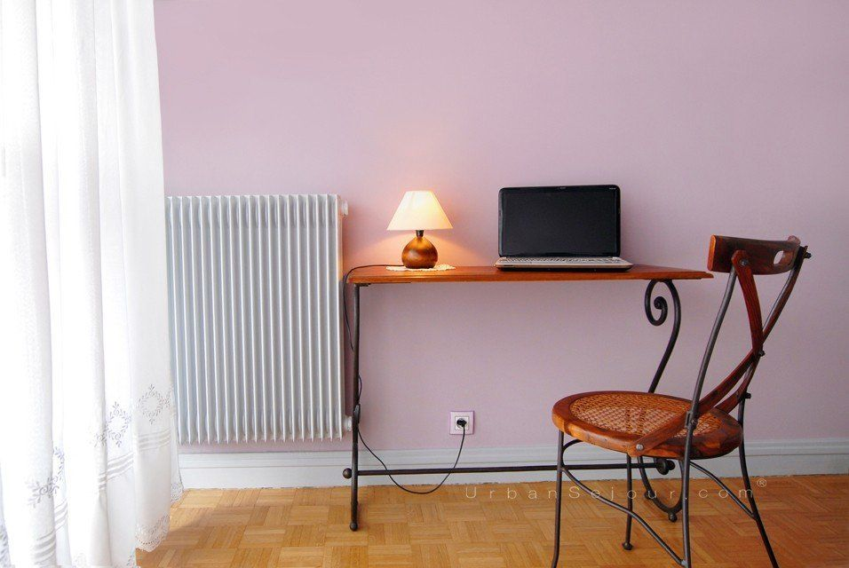 location appartement meubl avec 1 chambre et parking location saisonni re lyon 3 part dieu. Black Bedroom Furniture Sets. Home Design Ideas