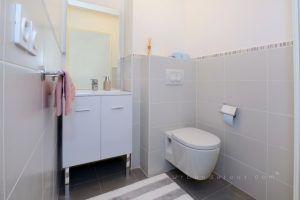 lyon-3-location-sans-souci-parc-sisley-toilettes