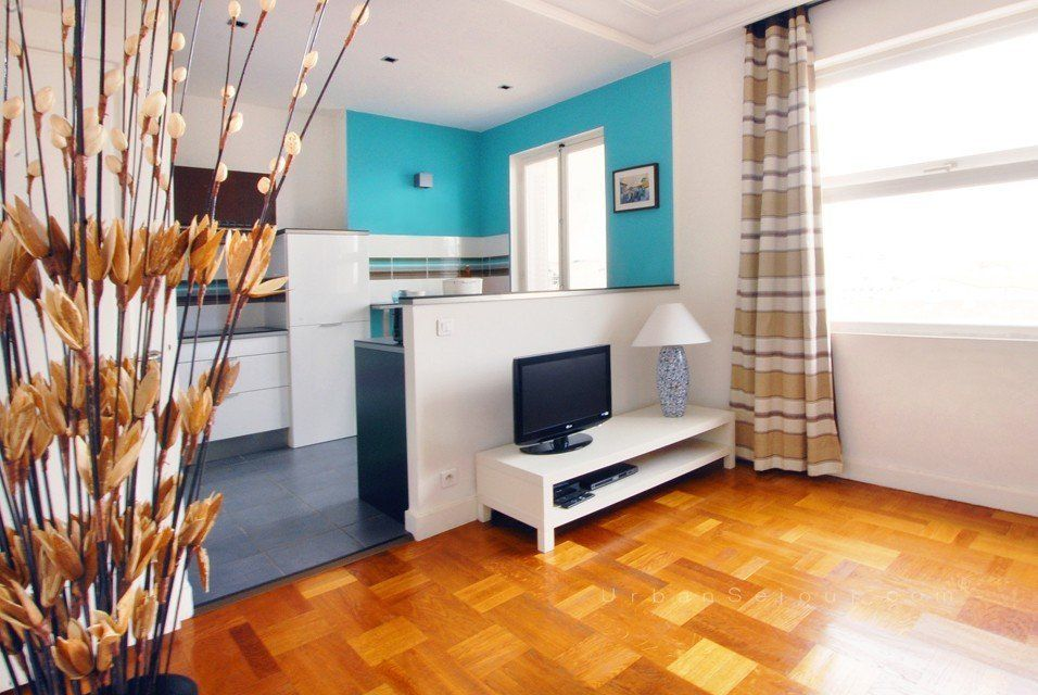 location studio meubl location saisonni re lyon 3 saxe gambetta city. Black Bedroom Furniture Sets. Home Design Ideas