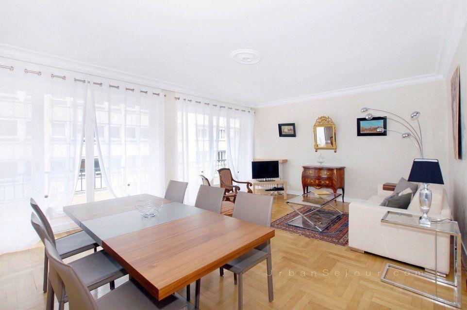 location appartement meubl avec 2 chambres et parking location saisonni re lyon 3 saxe. Black Bedroom Furniture Sets. Home Design Ideas