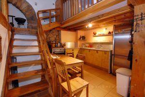 lyon-4-location-croix-rousse-place-bellevue-cuisine-1-a