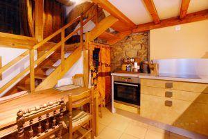 lyon-4-location-croix-rousse-place-bellevue-cuisine-1-c