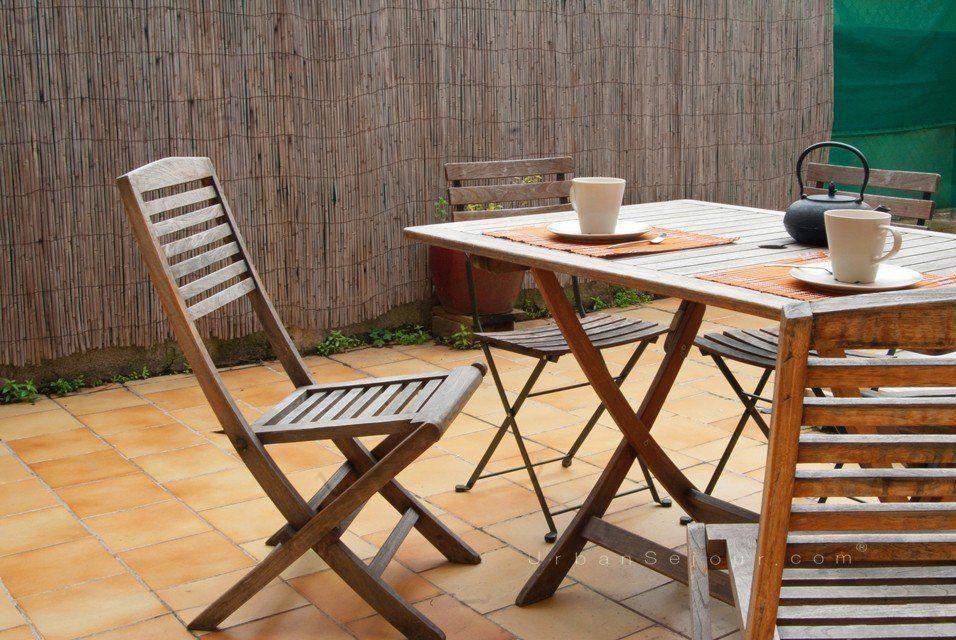 location appartement meubl avec 1 chambre et terrasse location saisonni re lyon 4 croix. Black Bedroom Furniture Sets. Home Design Ideas