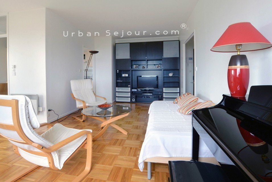 Lyon 5 hauts de saint just urban s jour for Garage lyon 5