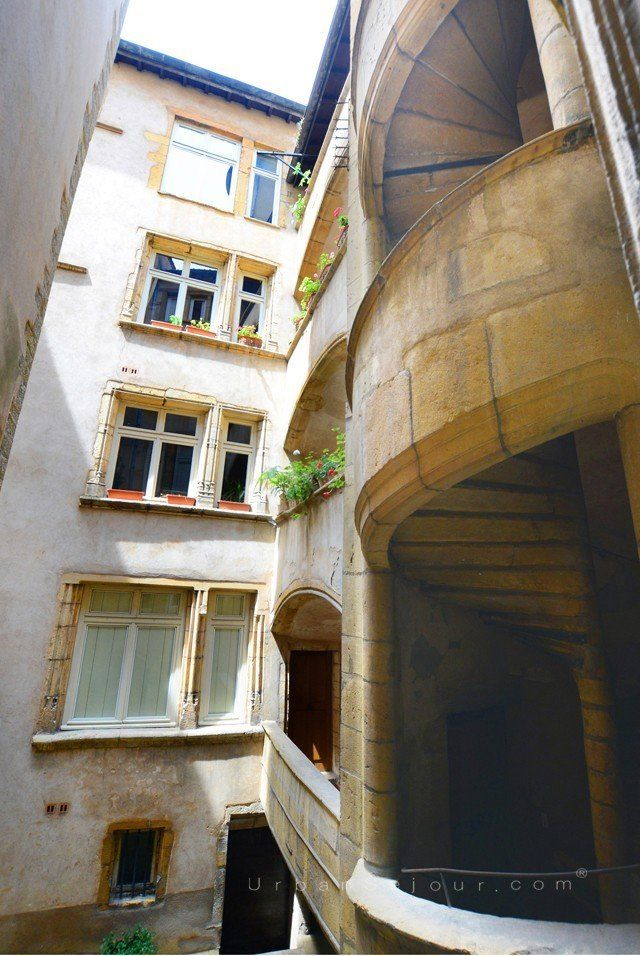 Lyon 5 vieux lyon c t palais urban s jour - Appartement vieux lyon ...