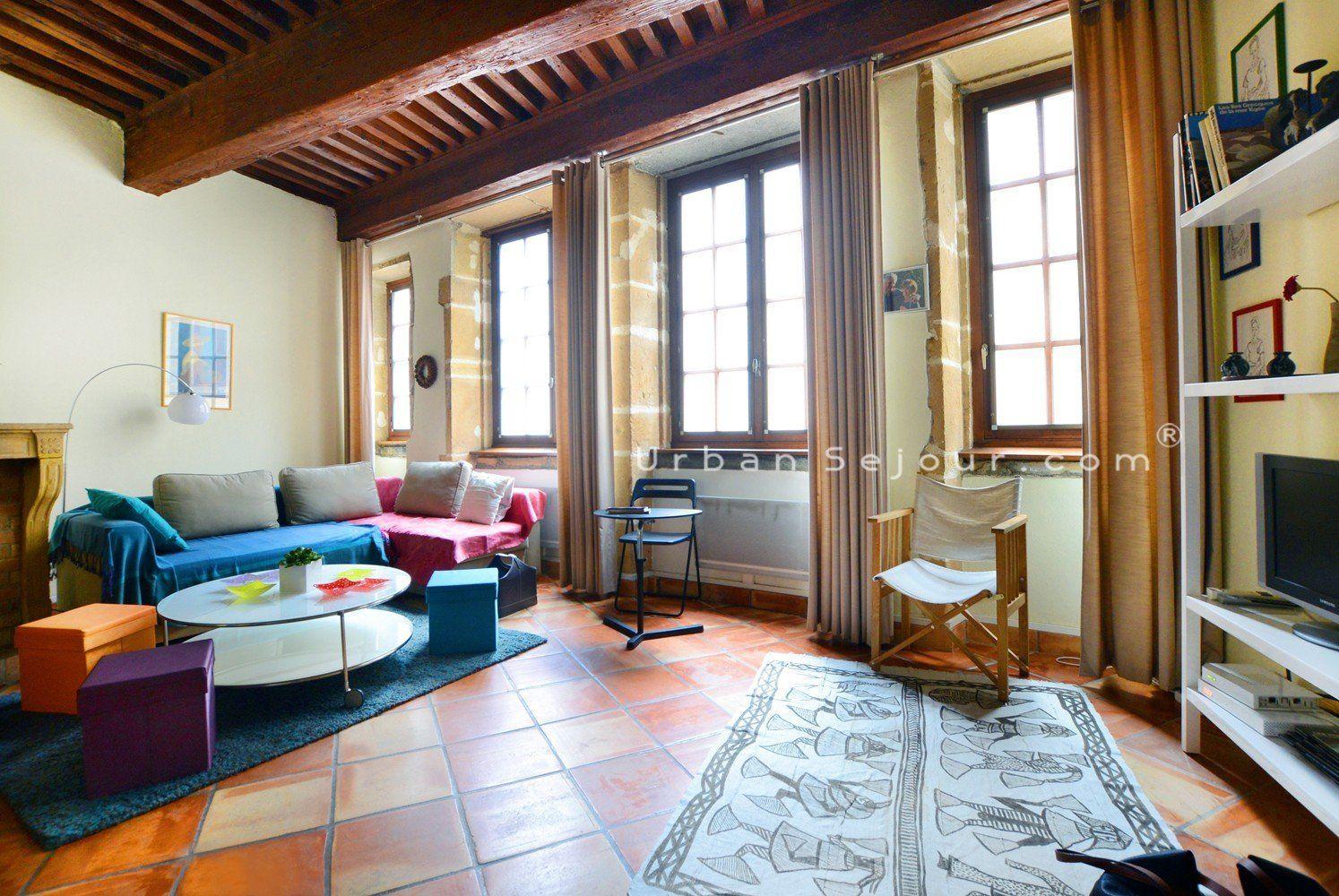 location appartement meubl avec 1 chambre location saisonni re lyon 5 vieux lyon gourguillon. Black Bedroom Furniture Sets. Home Design Ideas