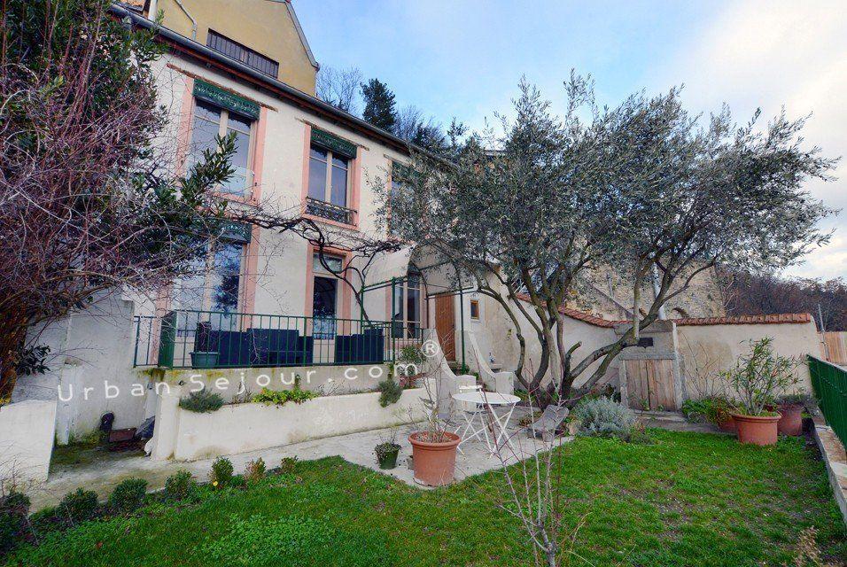 Lyon 5 vieux lyon la maison panoramique urban s jour for Maison lyon