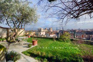 lyon-5-location-vieux-lyon-la-maison-panoramique-jardin-f