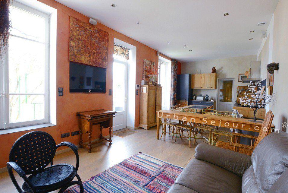 location appartement meubl avec 2 chambres location saisonni re lyon 5 vieux lyon maison. Black Bedroom Furniture Sets. Home Design Ideas