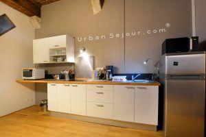 lyon-5-location-vieux-lyon-petit-saint-jean-cuisine-a