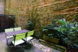 lyon-5-location-vieux-lyon-theatre-romain-terrasse-d