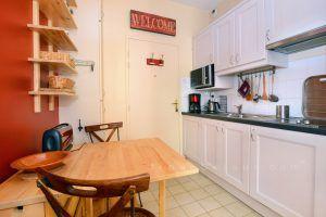 lyon-5-location-vieux-lyon-traboule-st-george-cuisine-c