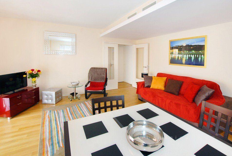 location appartement meubl avec 1 chambre location saisonni re lyon 6 orangerie du parc. Black Bedroom Furniture Sets. Home Design Ideas