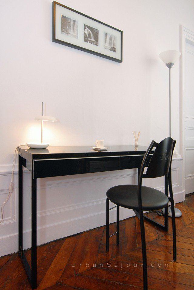 location appartement meubl avec 2 chambres location saisonni re lyon 6 passerelle du coll ge. Black Bedroom Furniture Sets. Home Design Ideas