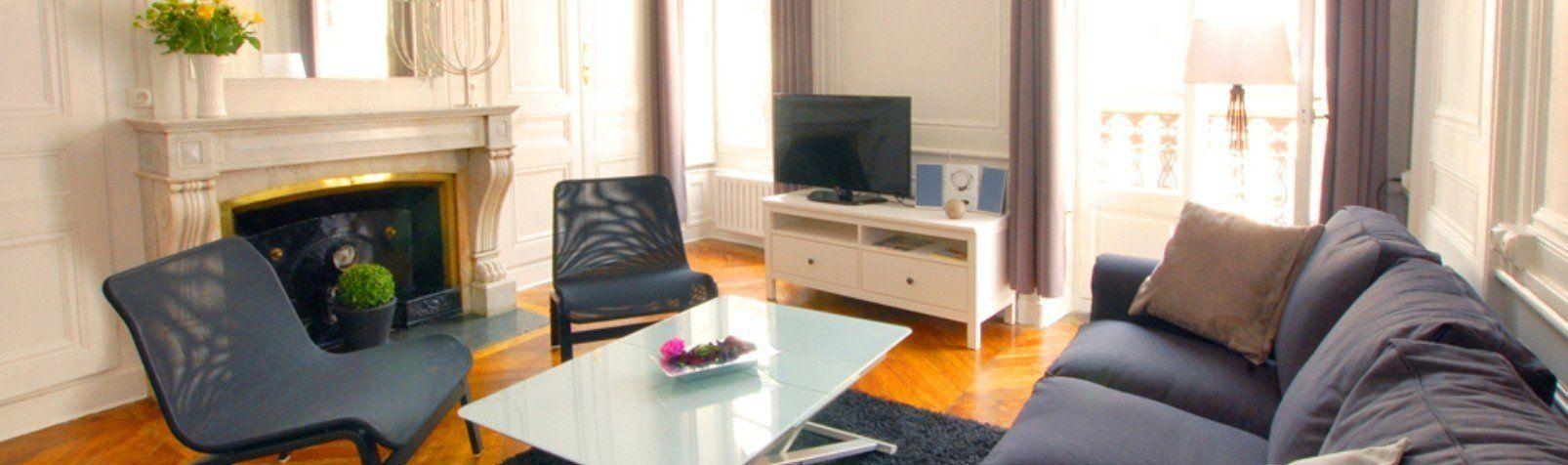 Location appartement meubl avec 2 chambres location saisonni re lyon 6 passerelle du coll ge - Location studio meuble lyon 2 ...
