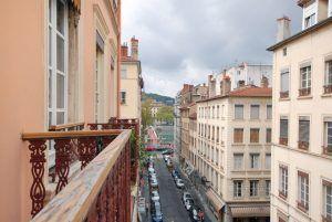 lyon-6-location-la-passerelle-du-college-vue balcon-gauche-a