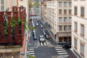 lyon-6-location-la-passerelle-du-college-vue-balcon-gauche-b