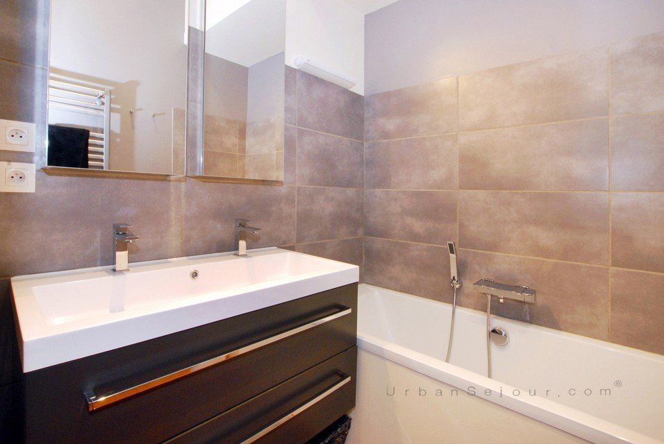 Meuble Salle De Bain Grande Vasque 2 Robinets – Salle de bains