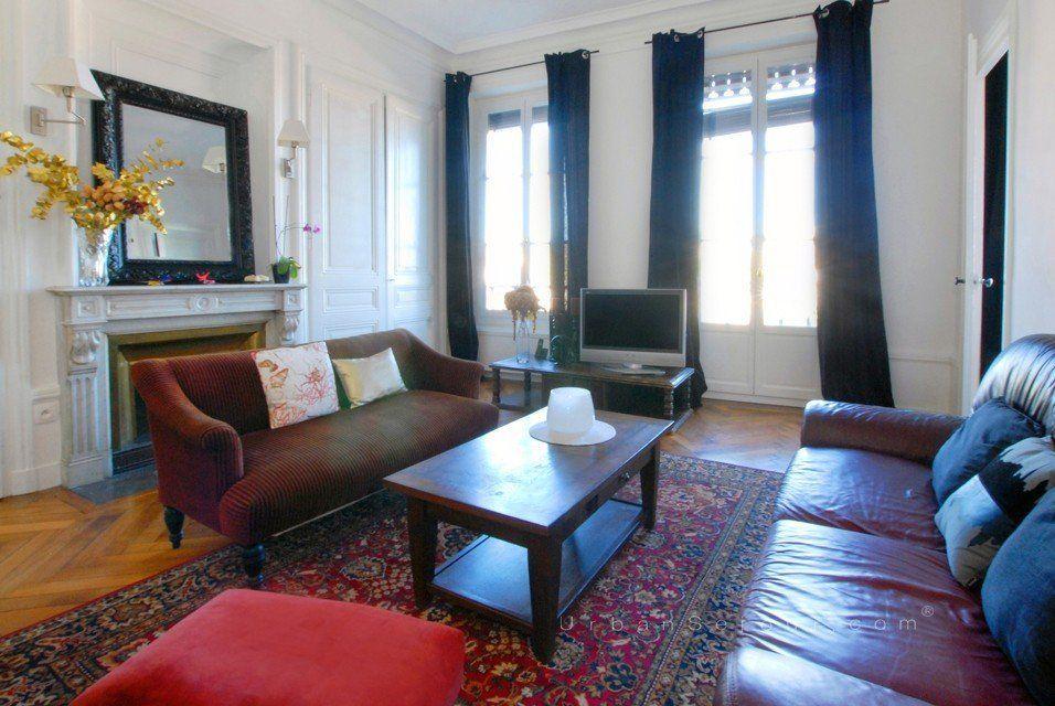 location appartement meubl avec 3 chambres location moyenne et longue dur e lyon 7 rh ne. Black Bedroom Furniture Sets. Home Design Ideas