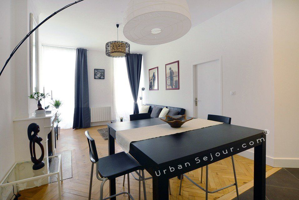 location appartement meuble avec 1 chambre location saisonniere lyon 7 universit bancel. Black Bedroom Furniture Sets. Home Design Ideas