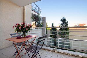 lyon-8-location-monplaisir-lumiere-balcon-a