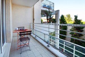 lyon-8-location-monplaisir-lumiere-balcon-b