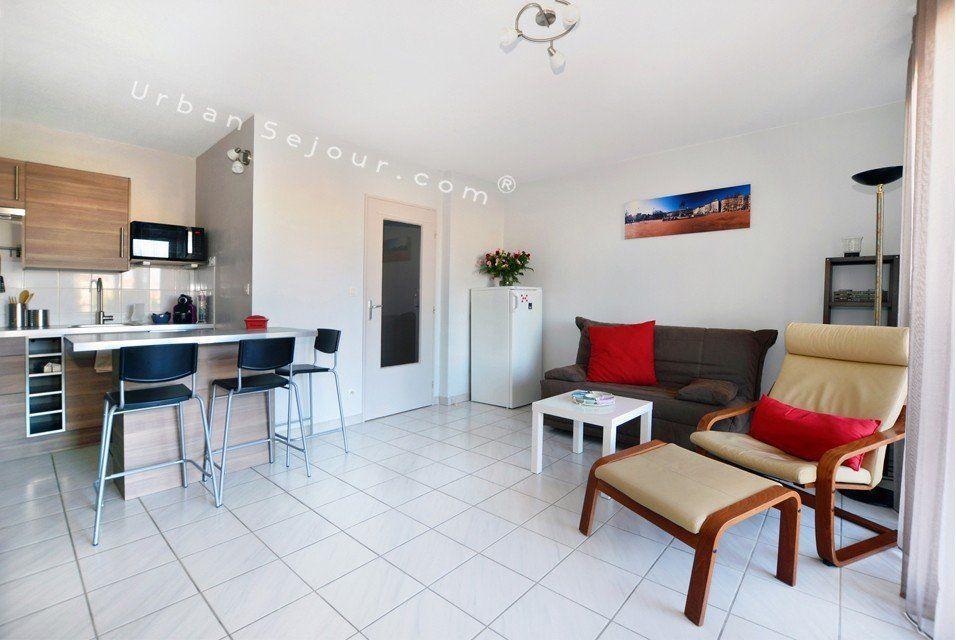 Location appartement meubl avec 1 chambre location saisonni re lyon 8 monplaisir lumi re - Location appartement lyon meuble ...
