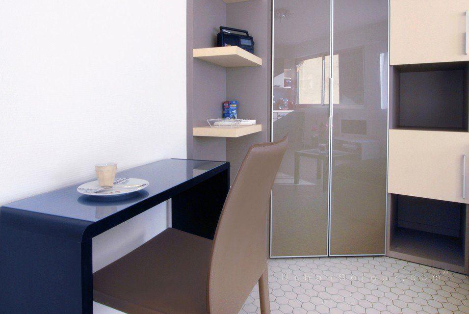location grand studio meuble lumineux et calme location saisonni re lyon 9 valmy le cygne. Black Bedroom Furniture Sets. Home Design Ideas