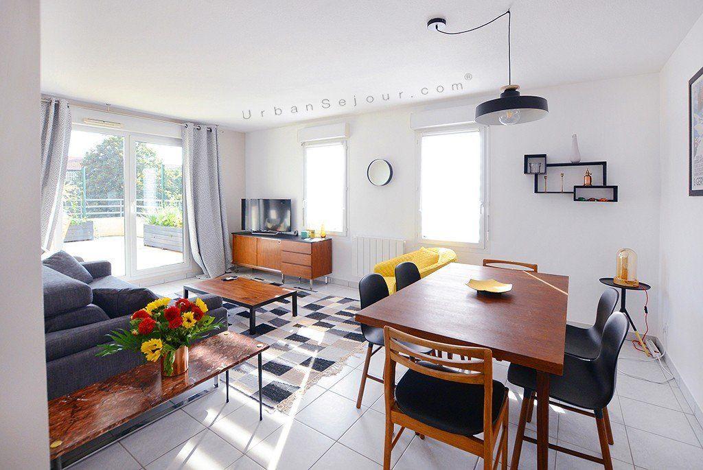Location appartement meubl avec 2 chambres location - Appartement meuble villeurbanne ...