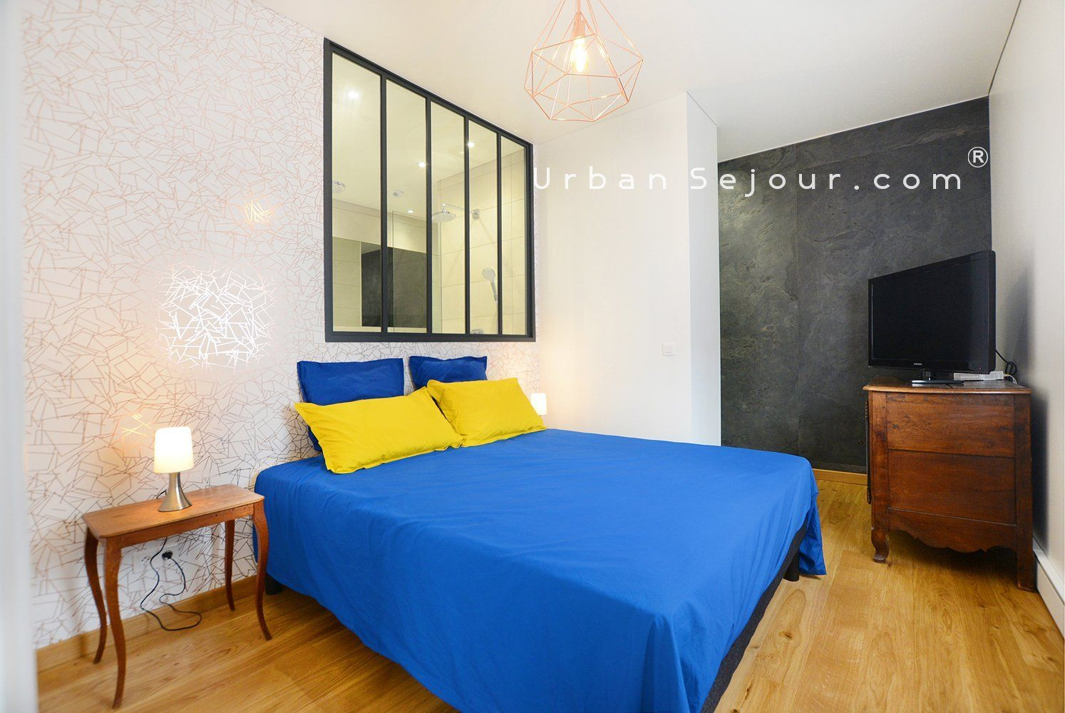 location appartement meubl avec 1 chambre terrasse et parking location saisonni re lyon 7. Black Bedroom Furniture Sets. Home Design Ideas