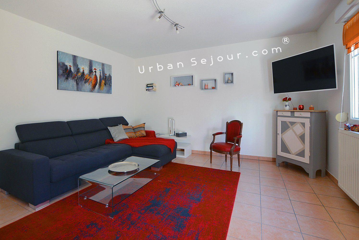 Location appartement meubl avec 2 chambres jardin et double parking location saisonni re - Location studio meuble lyon 3 ...