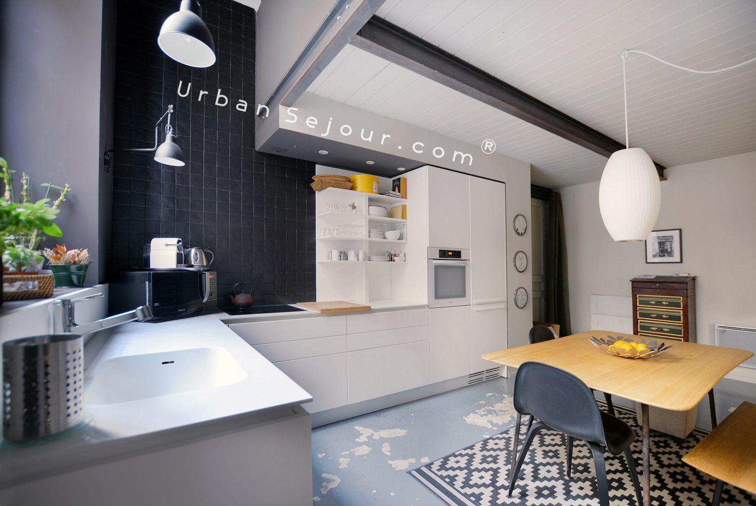location appartement avec 2 chambres et grand bureau en location saisonniere location moyenne. Black Bedroom Furniture Sets. Home Design Ideas