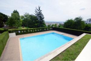 Gite avec piscine près de Lyon